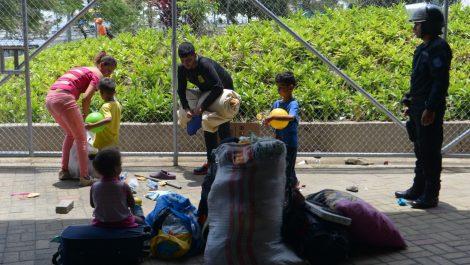 Desalojaron a unos 200 venezolanos de un campamento en Guayaquil