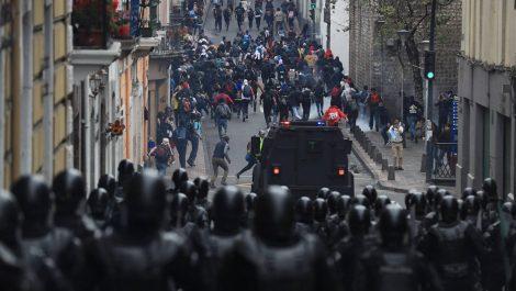 Ecuador en estado de excepción: saqueos, violencia y disturbios por alza de gasolina