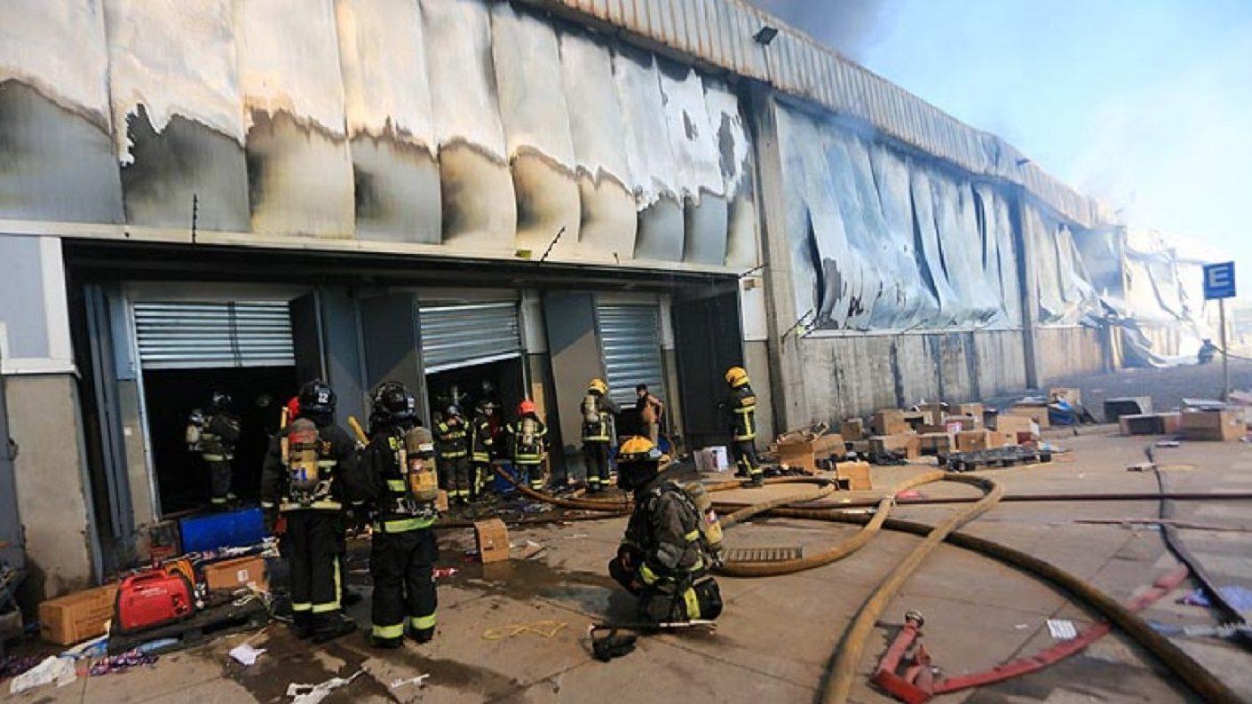 Asciende cifra de muertos en Chile tras incendio de una fábrica de ropa