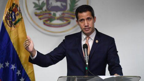 Guaidó juramentó comandos parroquiales: «son pilares de la democracia»