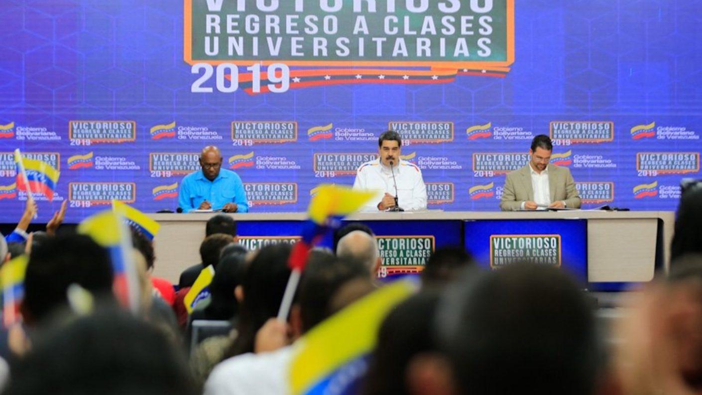 Maduro se desliga de protestas en Ecuador