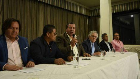 Transportistas en Ecuador suspenden paro y no se responsabilizan por actos vandálicos