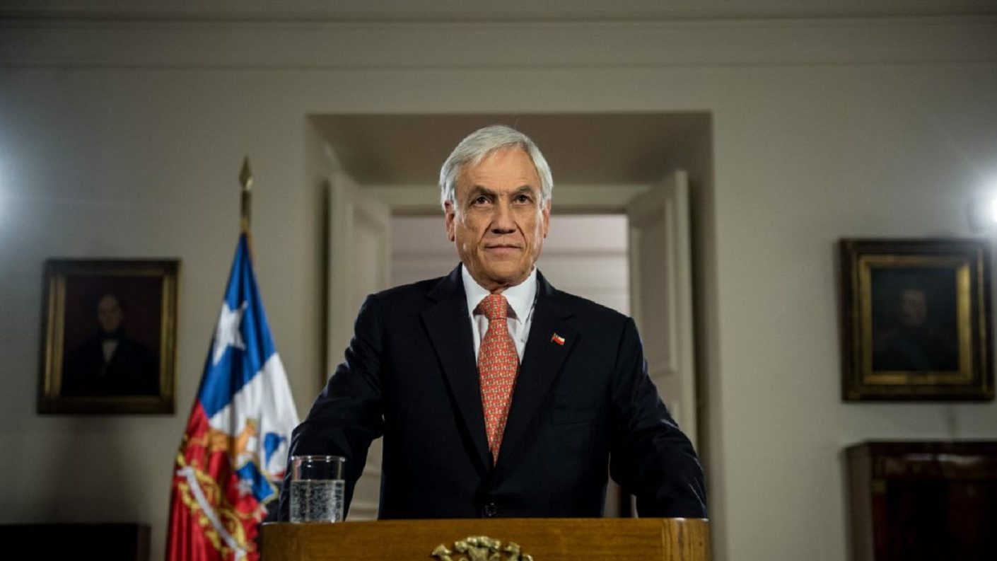Piñera dice que Chile está «en guerra contra un enemigo poderoso»