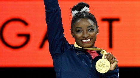 Simone Biles impuso nuevo récord de medallas en mundiales