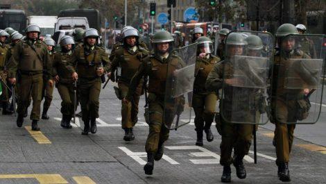 Policía de Chile dejará de usar perdigones para dispersar manifestaciones