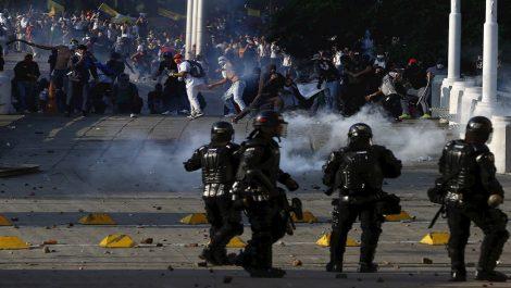 Ministro de defensa de Colombia confirmó tres muertos en protestas