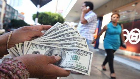 El dólar tumba al bolívar en las tiendas por departamento de Caracas