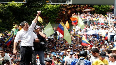 Guaidó convoca protesta permanente hasta lograr salida de Nicolás Maduro