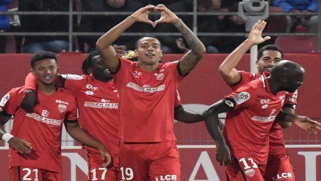 Jhonder Cádiz se estrenó como goleador en Francia ante el PSG