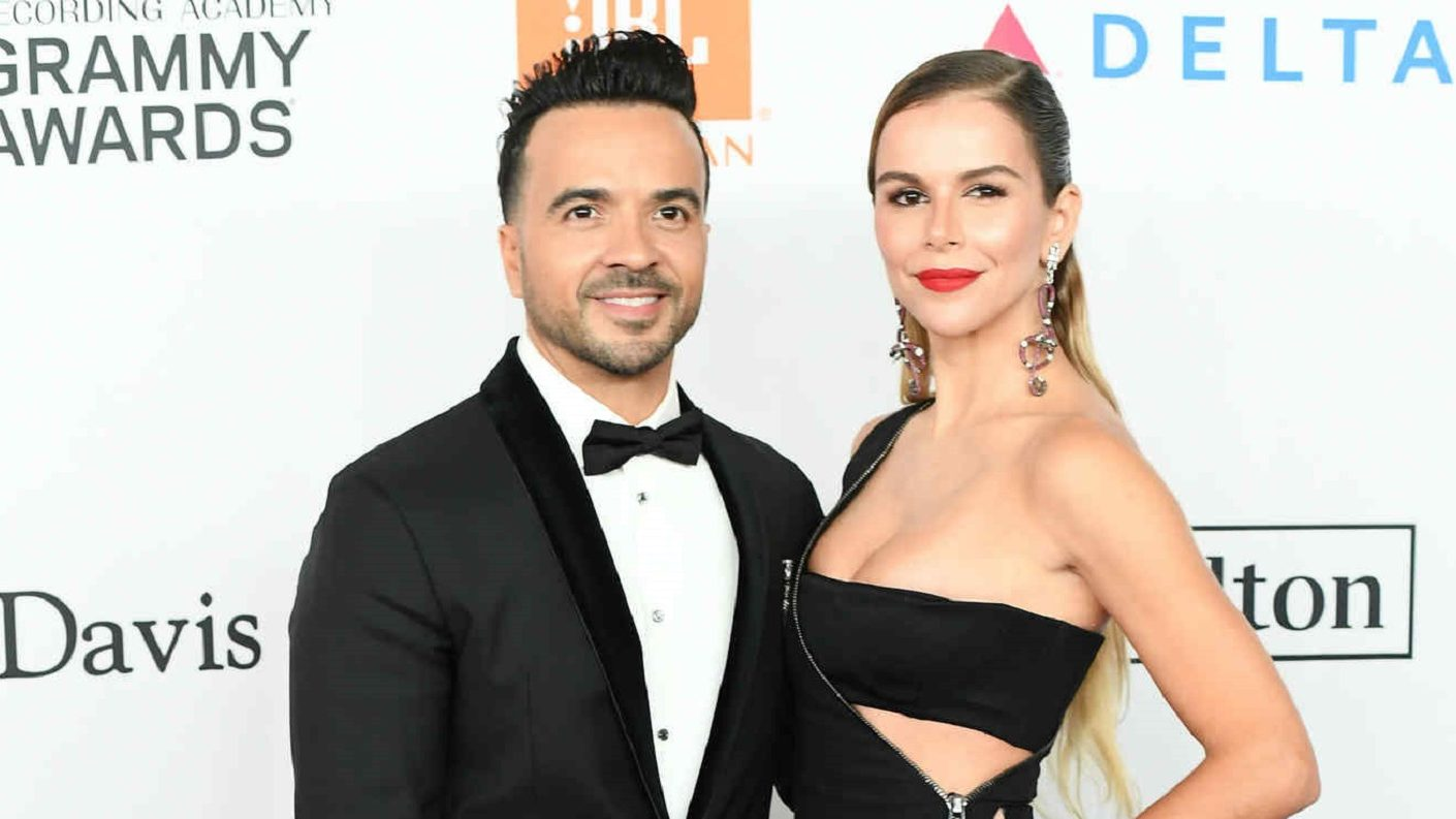 Esposa de Luis Fonsi se quiebra al hablar de su matrimonio
