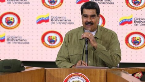 Maduro entregará fusiles a la Milicia