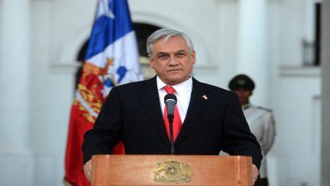 Piñera aprobó subsidio que eleva a 467 dólares el salario mínimo