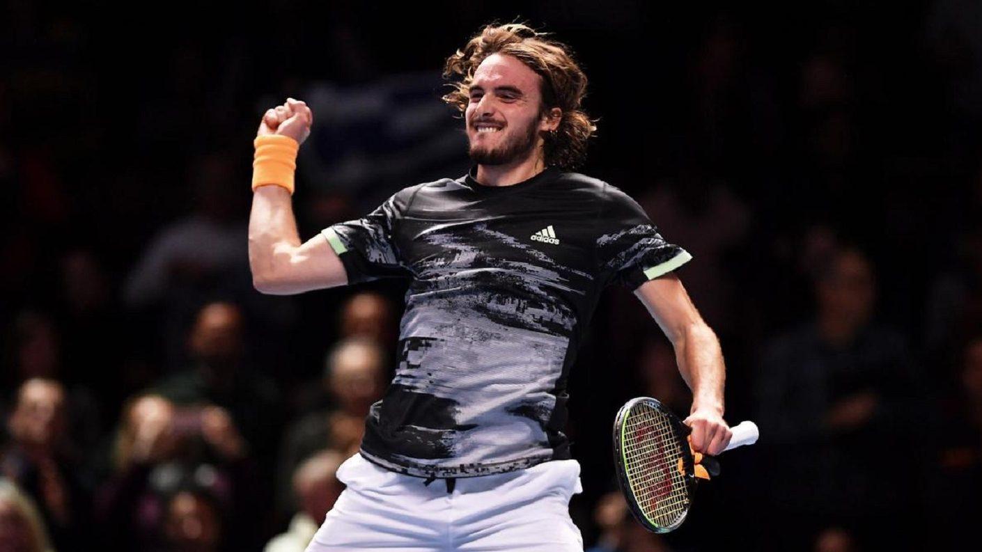 Tsitsipas vence a Federer para clasificarse a la final del Torneo de Maestros de Londres