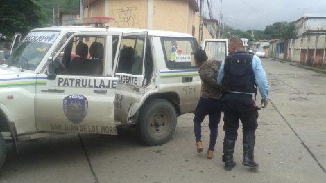 Detenidos 3 funcionarios por robar más de 5.000 municiones