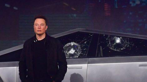 Elon Musk quiere apurar el viaje a Marte antes de morir