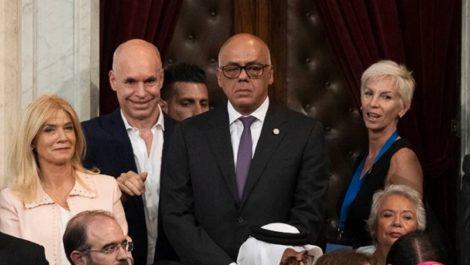 Pese a las sanciones Jorge Rodríguez asistió a la juramentación de Alberto Fernández