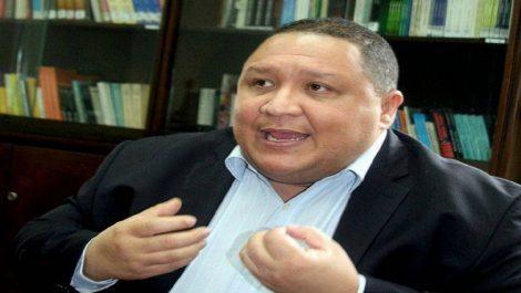 José Brito asegura integrar «una rebelión» de 70 diputados en el Parlamento contra Guaidó