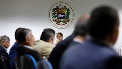 Guaidó pide a los maestros que no se dejen vencer por el «desgaste»
