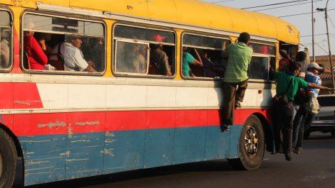 Maracaibo sin control: El pasaje lo cobran hasta en Bs. 20.000