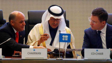Opep y aliados acuerdan recorte de 500.000 barriles de crudo a partir de enero
