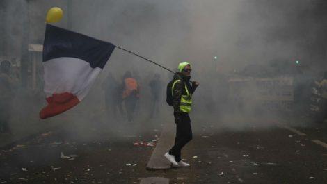Huelga en Francia se alargará hasta el martes