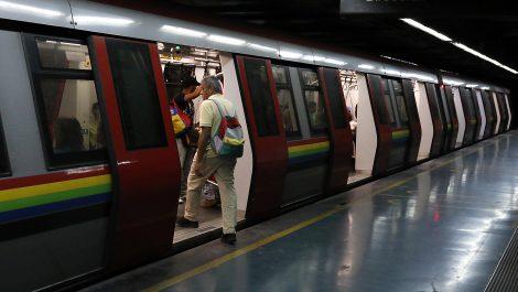 Metro y autobuses se pagarán con el Carnet de la Patria: todo lo que necesitas saber