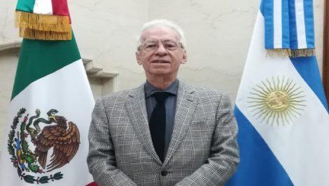 Renunció embajador mexicano acusado de robar un libro en Argentina