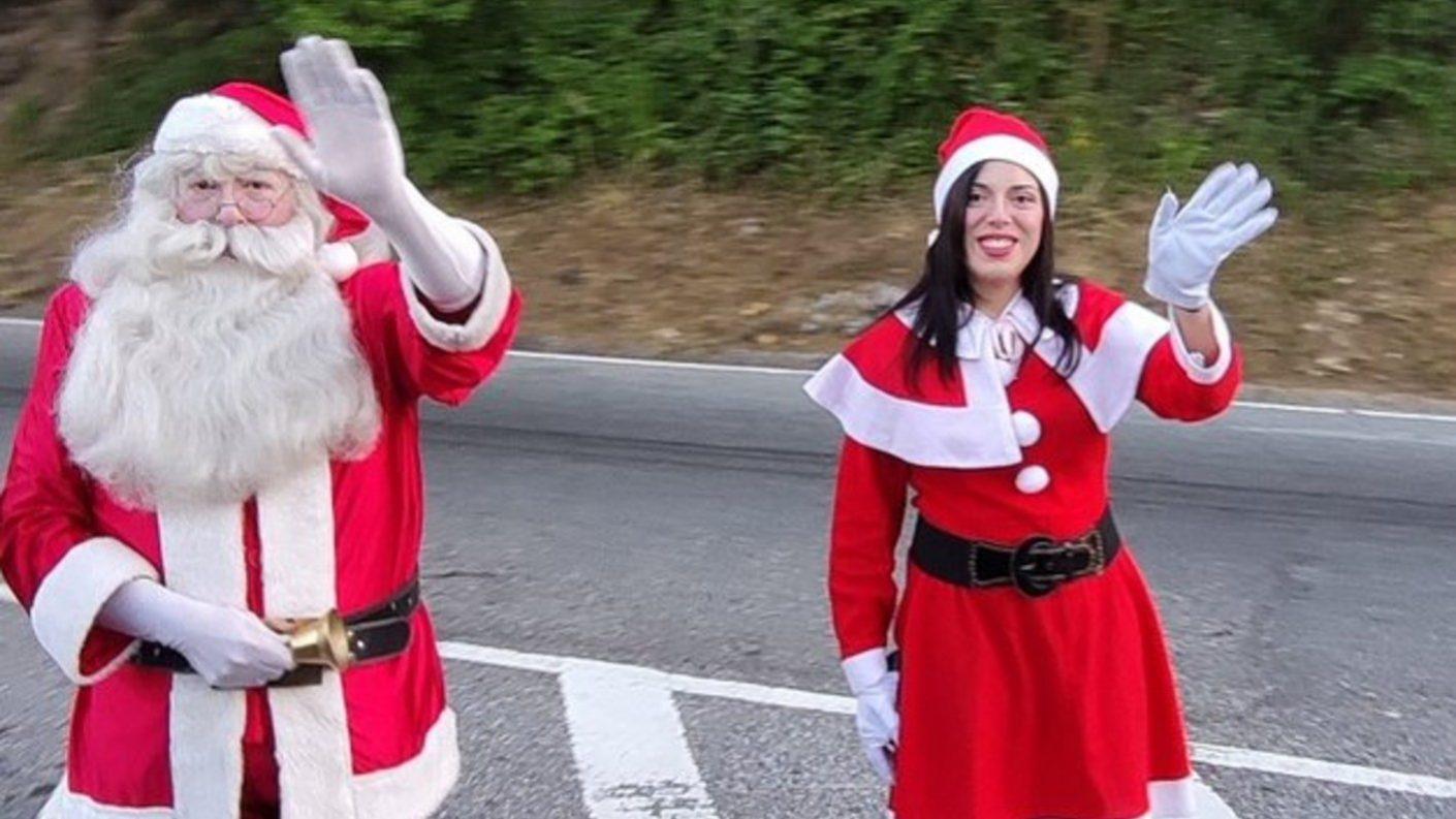 Santa Claus caraqueño dio la bienvenida a la navidad desde la Cota Mil