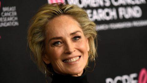 Bloquean perfil de Sharon Stone en app de citas Bumble