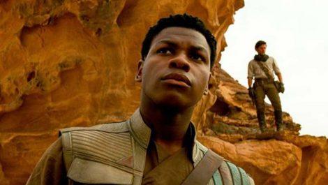 John Boyega dice que se sintió «dudoso» con el Episodio VIII de Star Wars