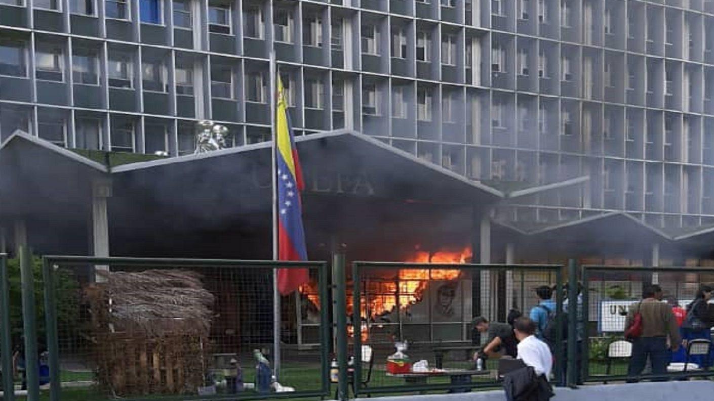 Sede la UNEFA en Chuao sufrió un incendio