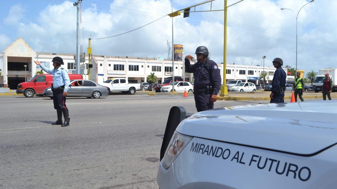 Detenida mujer que asesinó a su esposo policía en Higuerote