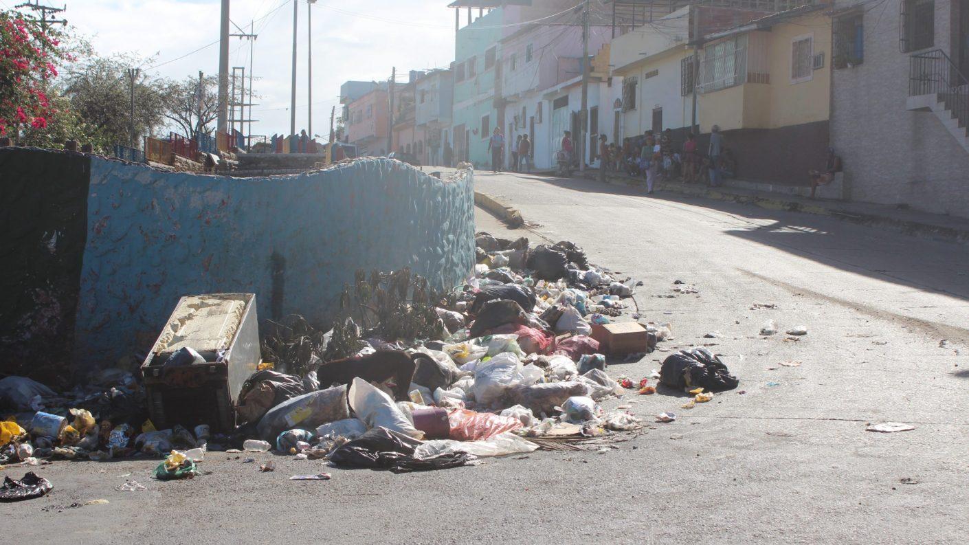 Hallan cabeza de mujer en un basurero en La Guaira