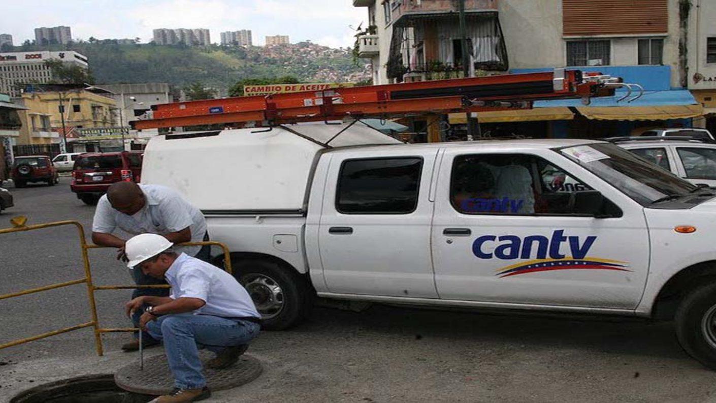 Realizan labores de mantenimiento en redes de telecomunicaciones en Caracas
