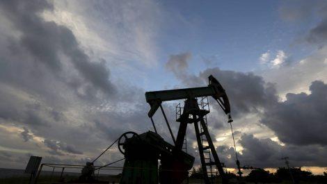 Barril de crudo sube debido al optimismo por el pacto de la OPEP+