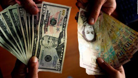 Como la espuma sube el precio del dólar: ¿rumbo a los 100 mil?