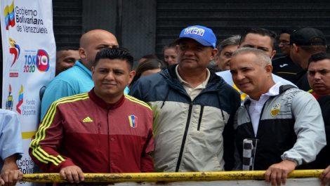 Freddy Bernal fue abucheado durante su discurso en el inicio de la Vuelta al Táchira