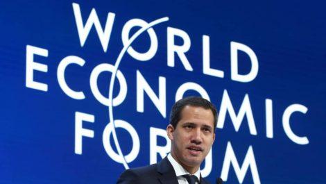 Guaidó pide en Davos no dejar a Venezuela sola