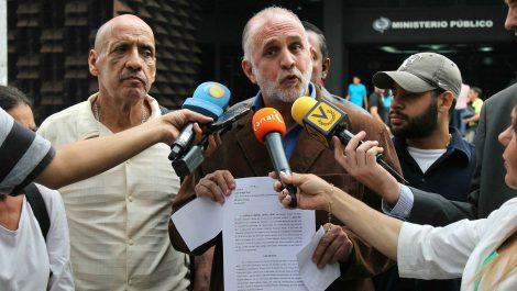 Dictan medida de «casa por cárcel» contra Ismael León