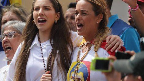 Lilian Tintori denuncia que gobierno robó insumos médicos de la ONG Rescate Venezuela