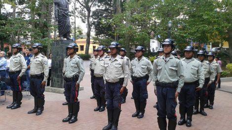 Tres individuos robaban tanques de agua en El Hatillo