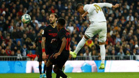 Atlético se aleja de la cabeza y Real Madrid se coloca líder en la tabla