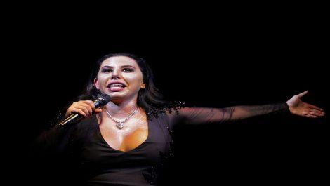 Roban pasaporte y pertenencias a la comediante Vanessa Senior en Chile