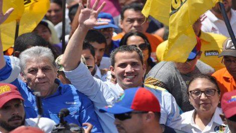 Colectivos atacaron caminata de Juan Guaidó en Barquisimeto