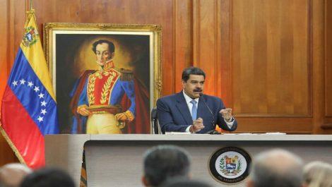 """Maduro: Permitir transacciones en divisas ha sido correcto """"en medio de una guerra"""""""