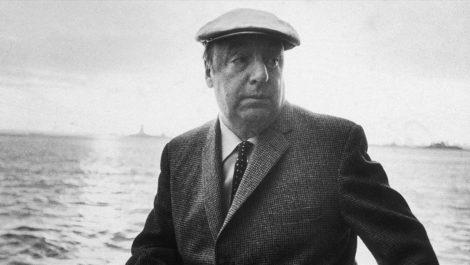 Subastarán gran colección de objetos de Pablo Neruda