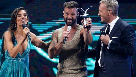 Protestas en Viña del Mar no hicieron mella en Ricky Martin, que sedujo al «Monstruo» de la Quinta Vergara