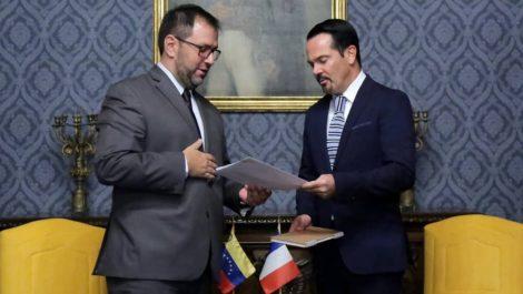 Cancillería entregó nota de protesta a embajador francés Romain Nadal por recibir a Guaidó