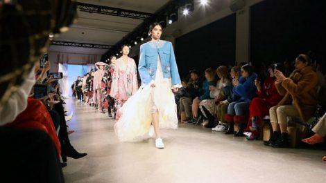 China recurre a la tecnología para participar en la Semana de la Moda