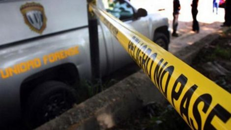 Estrepitoso accidente «por piques» en Zulia deja dos muertos